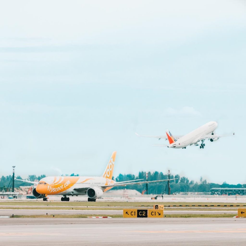 jalan jalan ke Singapore: Airplane