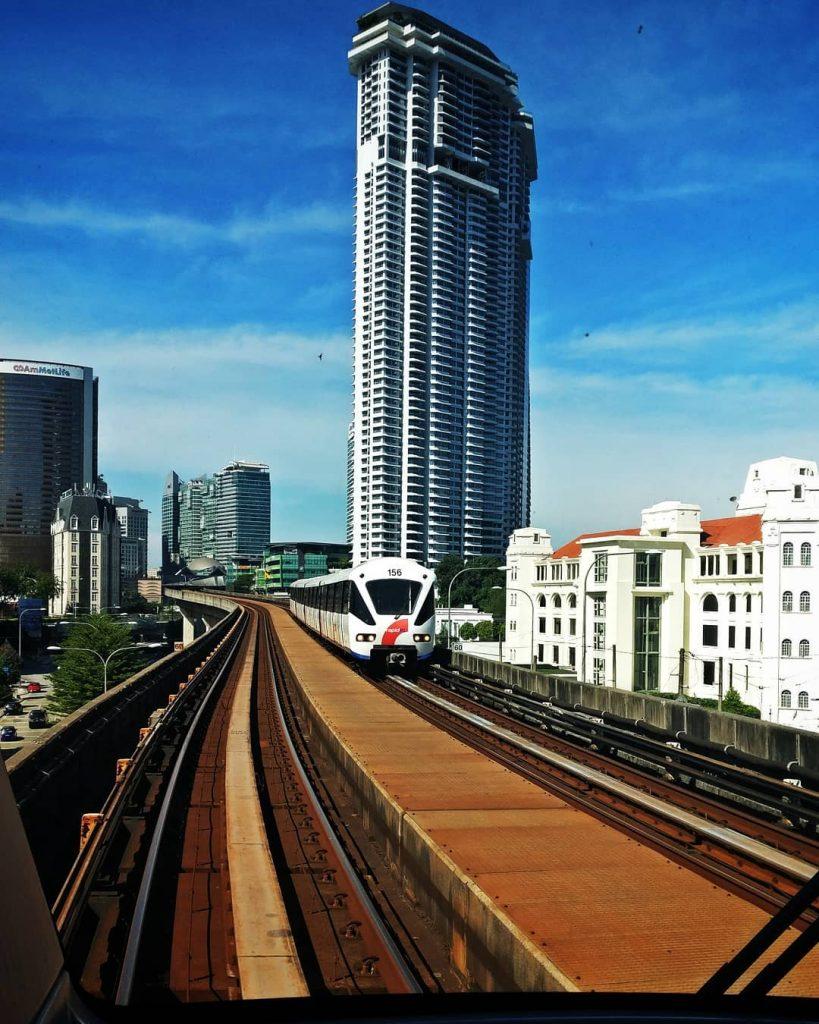 backpacker ke Malaysia: LRT
