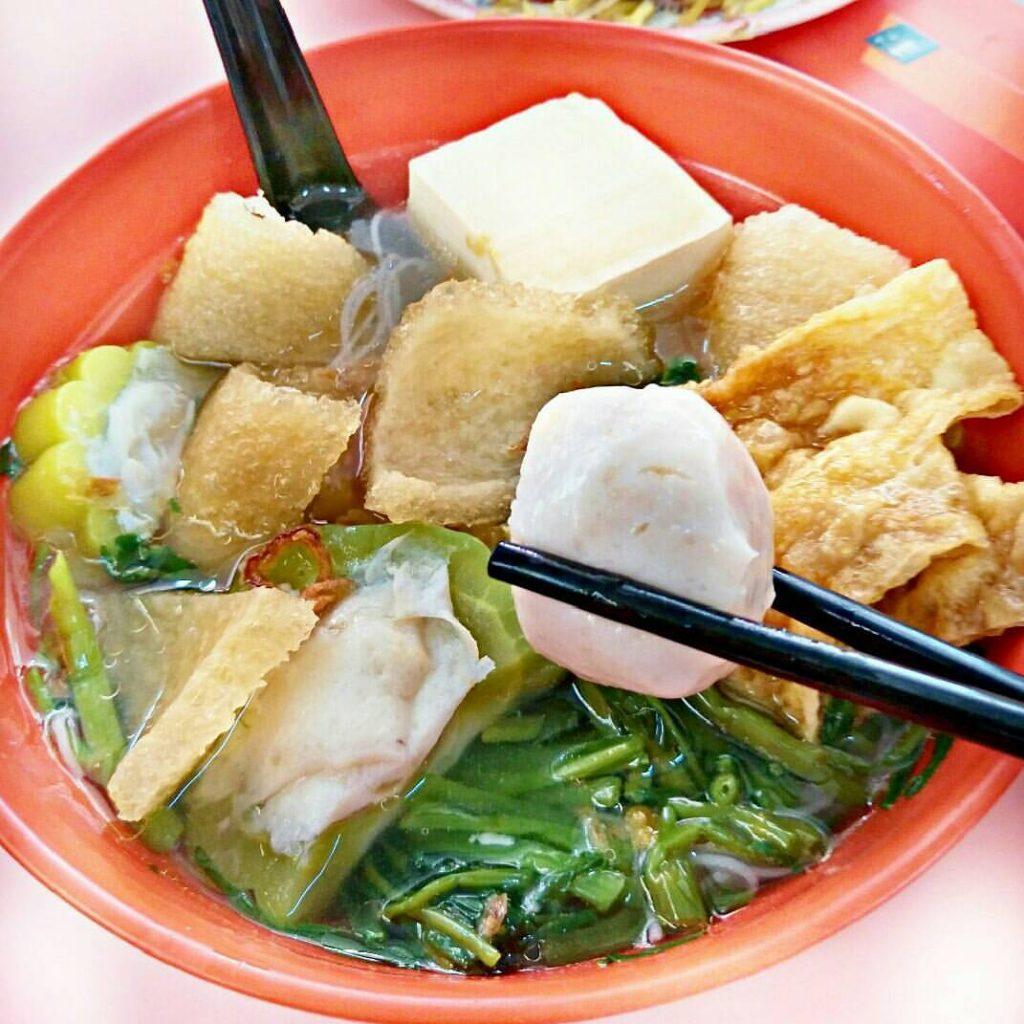 makanan khas Singapura: Yong Tau Foo