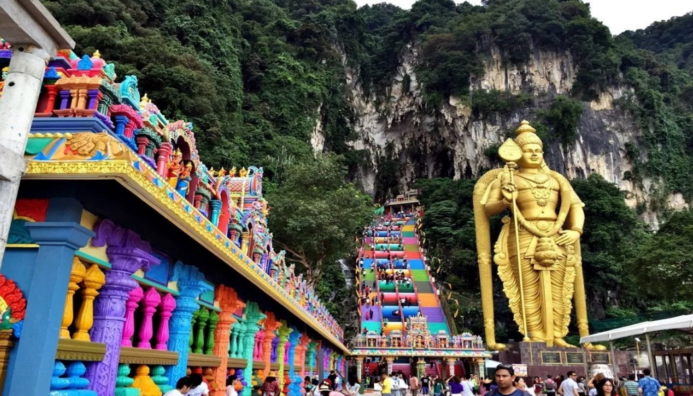 Wahana Genting Highlands terbesar di Malayasia