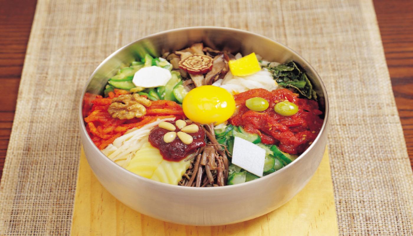 Ini Dia 10 Makanan Khas Korea Yang Wajib Anda Coba