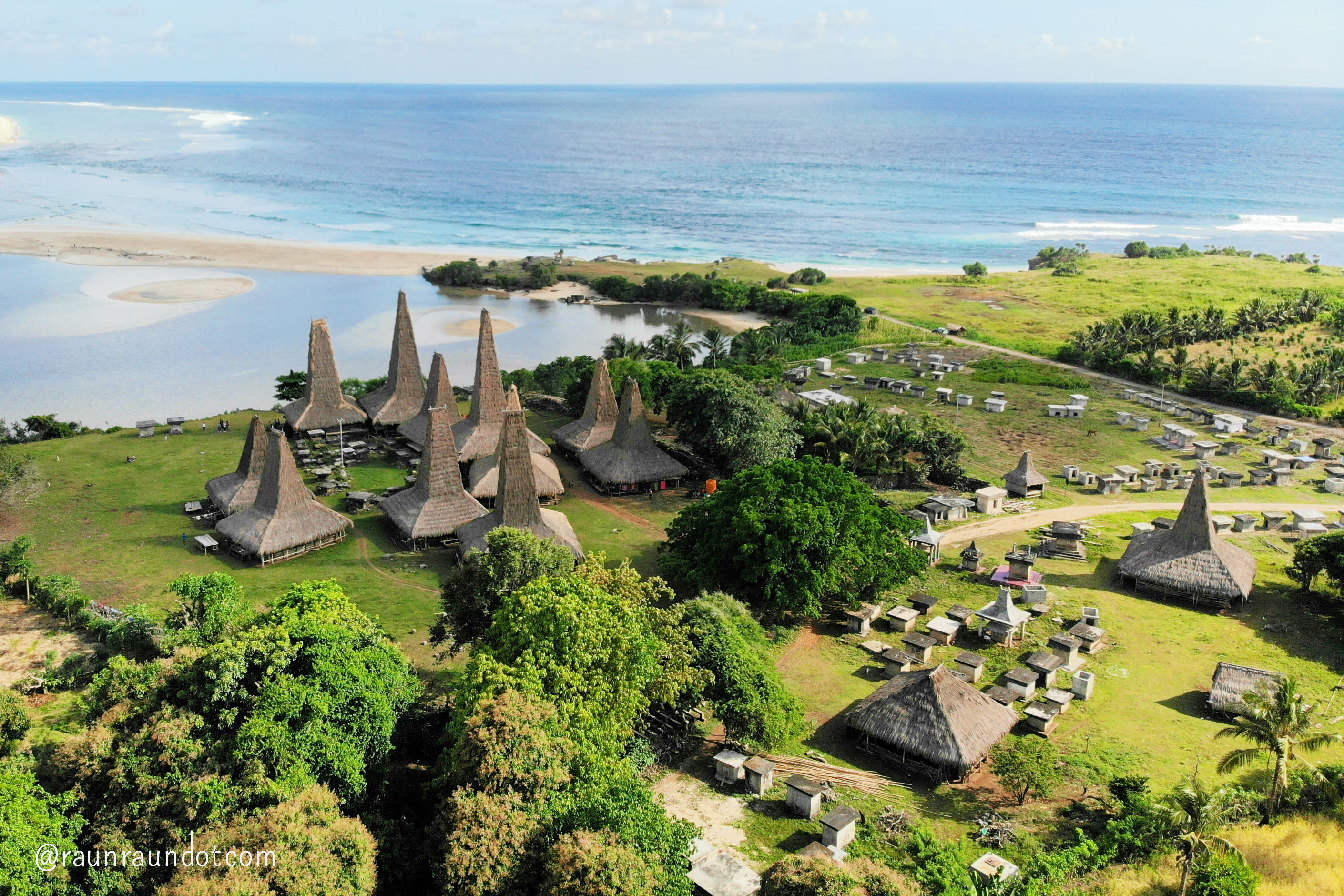 4 Days Private Tour in West Sumba Indonesia