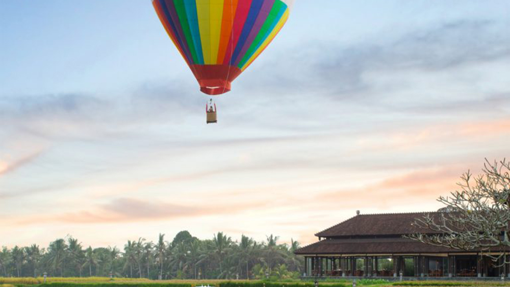 Hot Air Balloon Bali With Meals At The Chedi Club Ubud