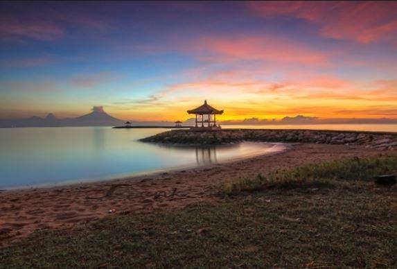 [Image: Sunrise_di_Sanur.JPG]